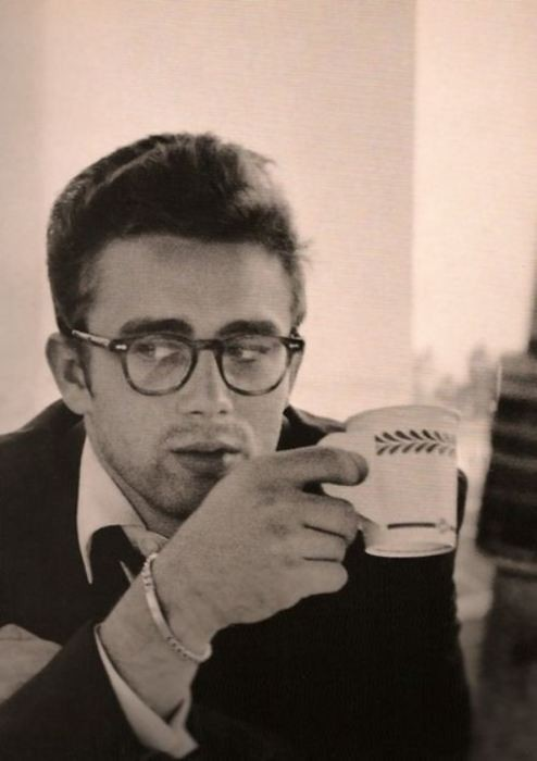 james dean con gafas